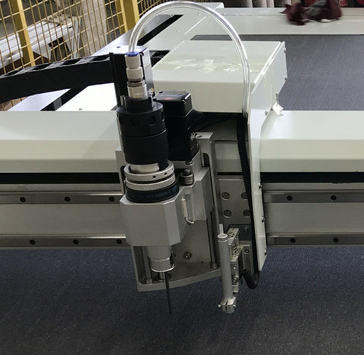 Pneumatic Oscillation Tool EVA Foam/PE Foam Cutting Machine